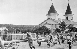 На каторге. Фотография привезена А. П. Чеховым из путешествия по Сахалину.