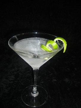 """...напитку ( """"водка и мартини, смешать, но не взбалтывать """"), совершенно..."""