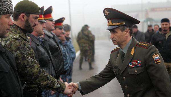 """Вручение боевого знамени бойцам батальона """"Север"""" в Грозном"""