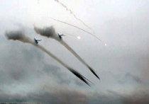 """Обстрел """"противника"""" из систем залпового огня """"Град"""" и вертолетов Ми-24"""