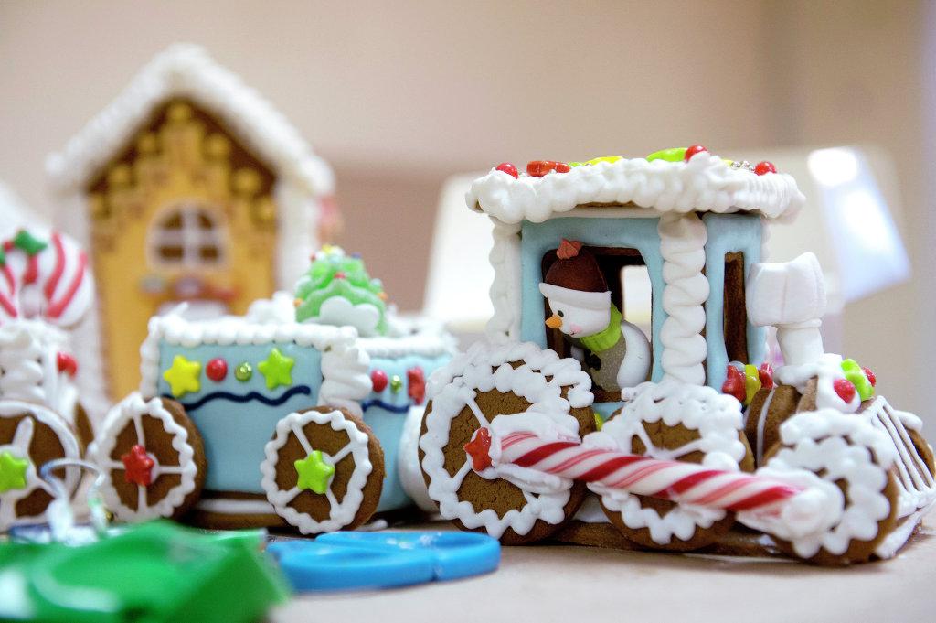 Новорічні подарунки: що купити і де шукати / Новогодние подарки: что купить и где искать /  Christmas gifts: